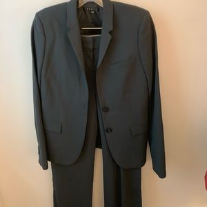 Theory blue/gray pants suit, pants 6, jacket 2